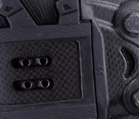 マウンテンシューズのLAKE MX237のアウトソールはペダリングパワーを無駄なく伝えるカーボン製。シクロクロス用スパイクも装着可能。MTBシューズ、サイクリングシューズの老舗ブランド『LAKE』。