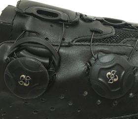マウンテンシューズのLAKE MX237のクロージャーはBoaダイアルを採用。MTBシューズ、シクロクロスシューズ、サイクリングシューズの老舗ブランド『LAKE』。